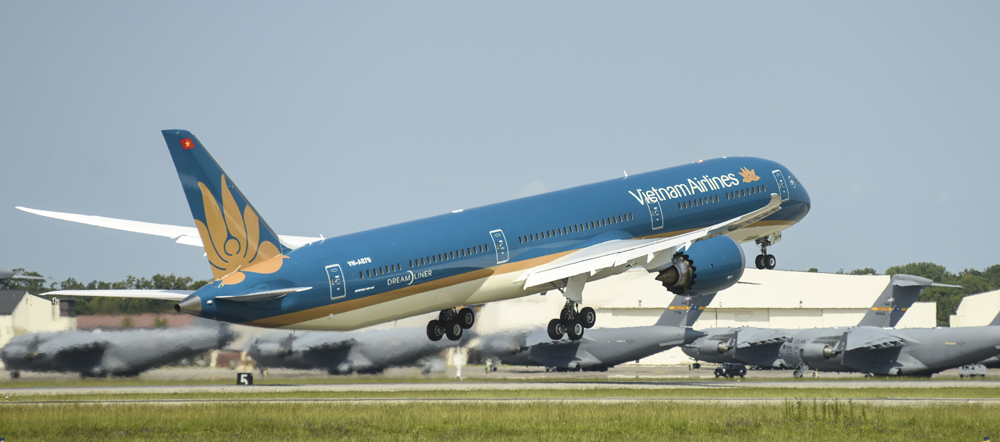 Boeing has delivered the first of eight 787-10 Dreamliner airplanes to Vietnam Airlines via lease from Air Lease Corp. (Photo/Provided)