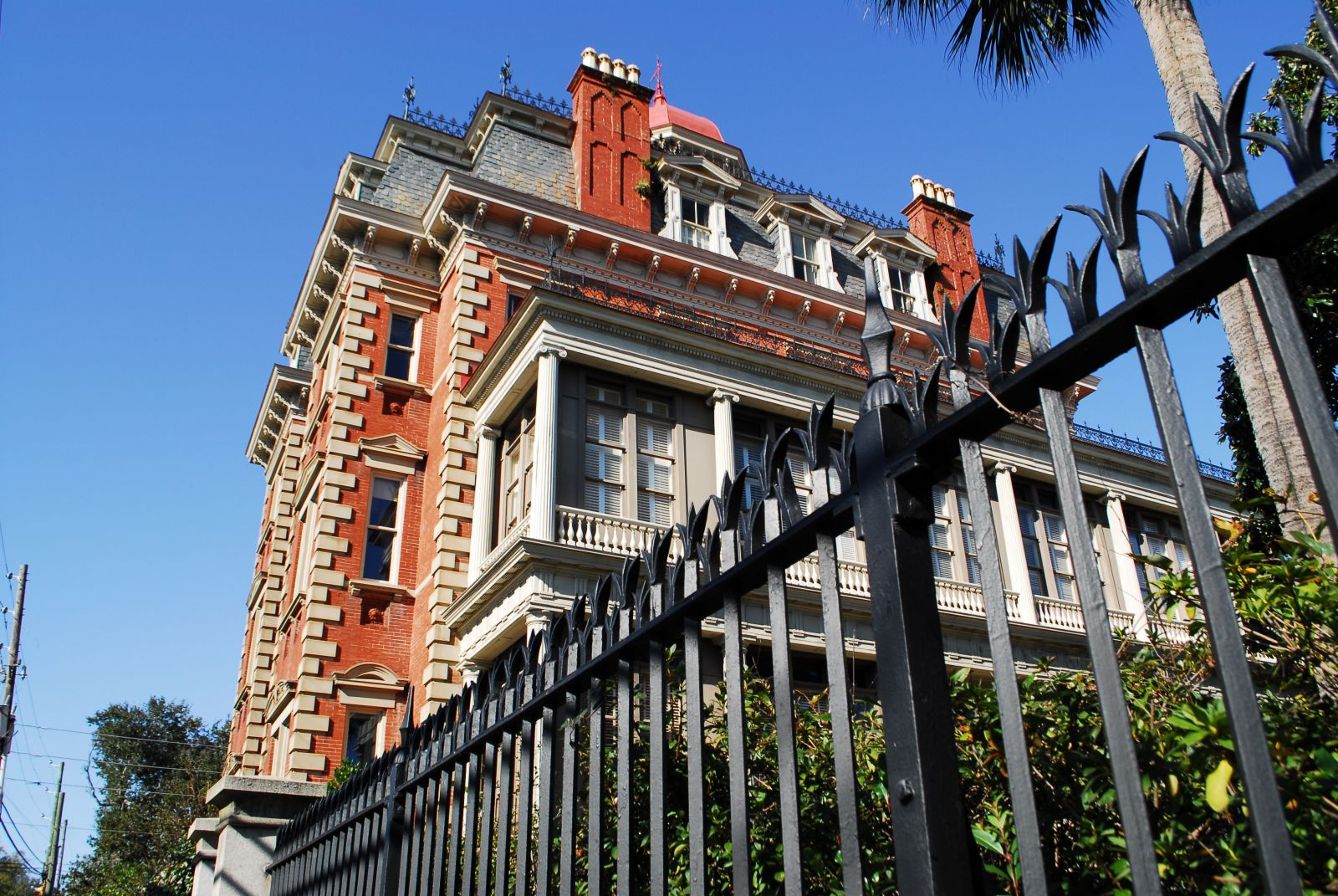 Wentworth Mansion is one of Charleston's most well-known inns, dating back to the late 1800s. (Photo/Andy Owens)